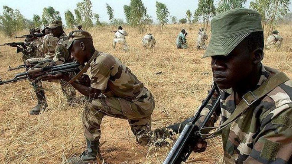 Nijerya ordusu: Havalimanından kaçırılan 10 kişiyi kurtardı